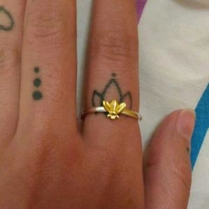 Jewelry - Dainty 2 Toned Bee Ring